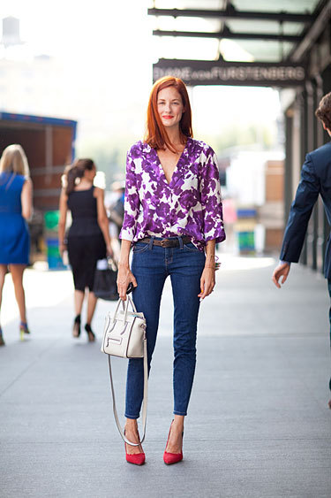 Street style: Taylor Tomasi-Hill. Floral & that bag? Love! {photo}