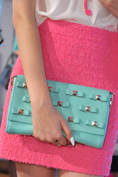 This clutch is what dreams are made of. I need it come spring!