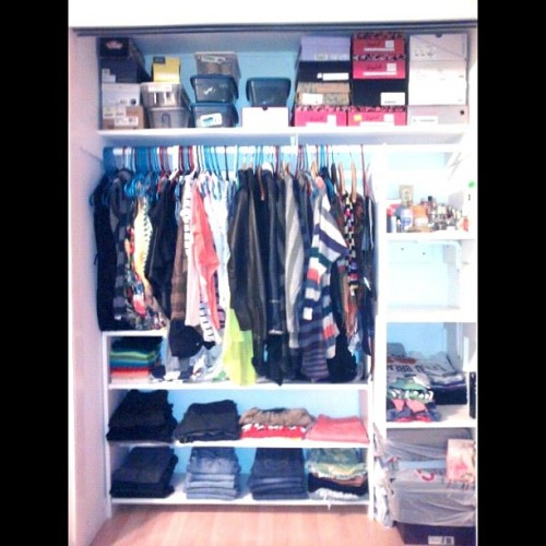 My NEW & improve closet … I love it! I have much more space for my cloths! <3 #fashion #closet #cloths #color #fall #Shoes #new #space #improve #happy #DIY  (Taken with Instagram)