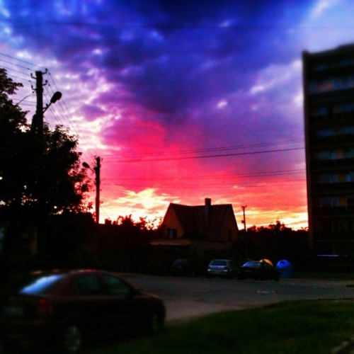 #Kaunas #sunset #sky #sun #cloudy #beautiful #picoftheday #instagood (Taken with Instagram at Kaunas , Lithuania)