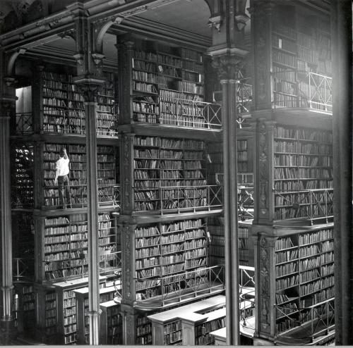 The old Cincinnati main library was amazing. Wish I could have seen this in person.  See more shots of this relic here: http://flic.kr/p/67J56g