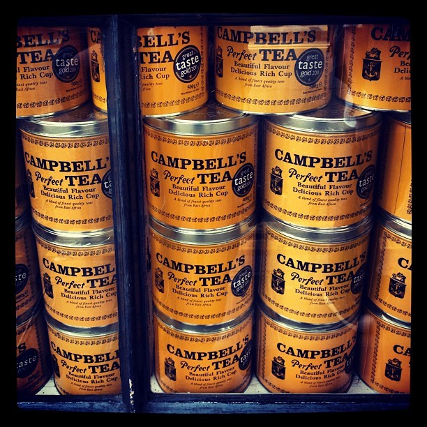 #campbells #tea #brand while in #london #instagood #instalike #vintage (Taken with Instagram at Petticoat Lane Market)
