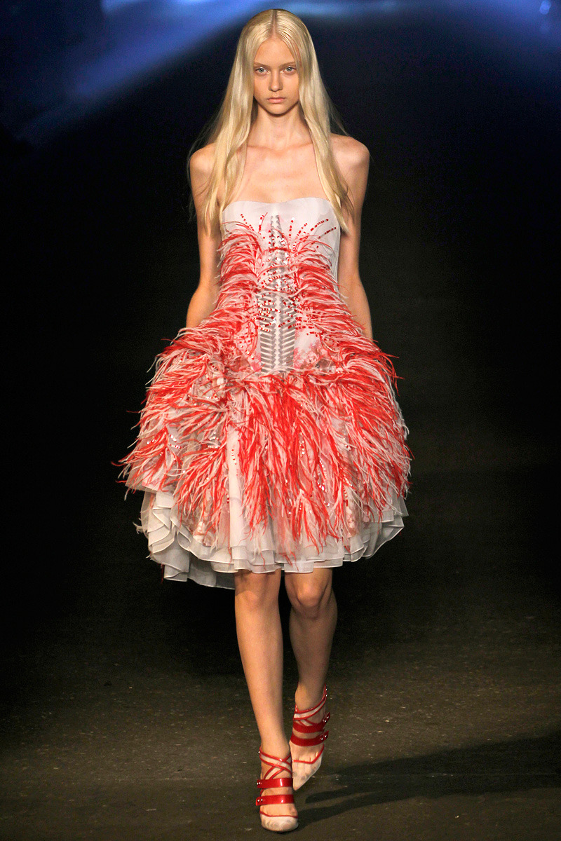 vogue:  Prabal Gurung Spring 2013 Photo:Monica Feudi/Feudiguaineri.com Go to Vogue.com for the full collection and review.  Swoon …