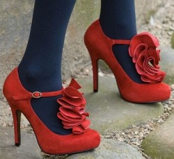 love Lable Ruffle shoes