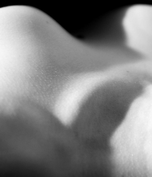 Collar bone, 2006I was emailed by an awesome nude model in England thinking I was there and not in Canada. Le sigh. I need to do collaborations with slightly more local models.Semi abstract nude image of Amy I shot in 2006.