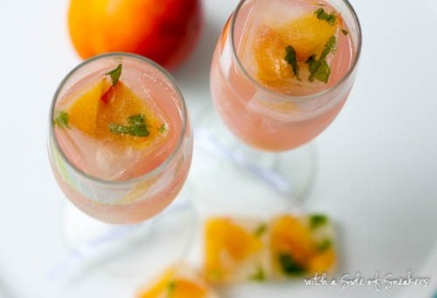 VEGAN DAILY DRINK:  Sparkling Grapefruit Zinger With Peach Basil Ice Cubes