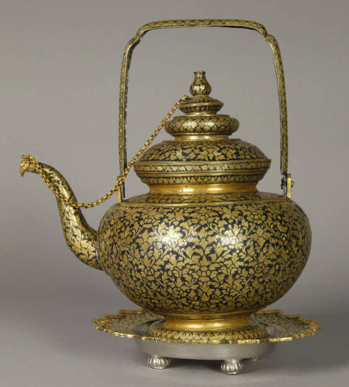 omgthatartifact:  Teapot Thailand The Smithsonian Museum of Natural History, Anthropology Department