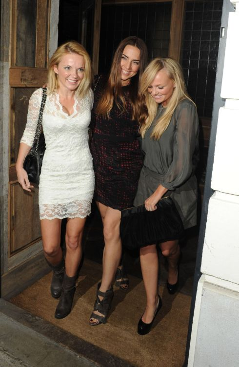 suicideblonde:  Geri Halliwell, Melanie Chisholm and Emma Bunton in London, September 8th