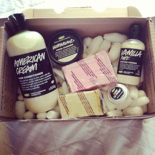 littlestlungs:  Pretty smelling parcel