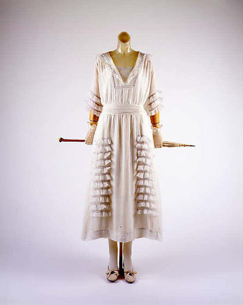 omgthatdress:  Dress 1914-1918 The Metropolitan Museum of Art
