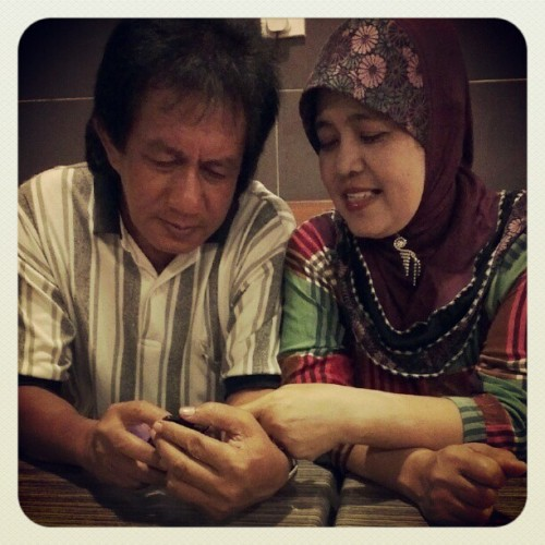 Love. Mak & Apak. Ini baru love till jannah. #mom #dad #parents #love #family #tilljannah (Taken with Instagram)