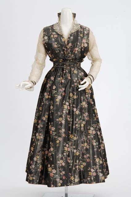 omgthatdress:  Dress 1910s The Minnesota Historical Society  This is so adorable I don't even know what to do with myself
