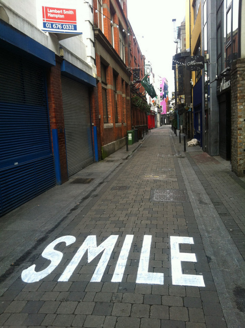 outsidermag:  CANVAZ - Hack the city: Smile Dublin (Ireland). 2012