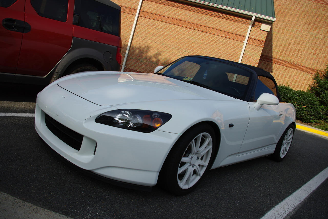 Parking Lot find: Honda S2000 (AP2)