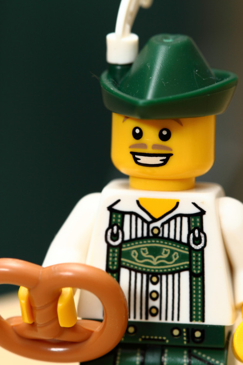 legozz:  Lederhosen (by Mike MacLeod)  O'zapft is!
