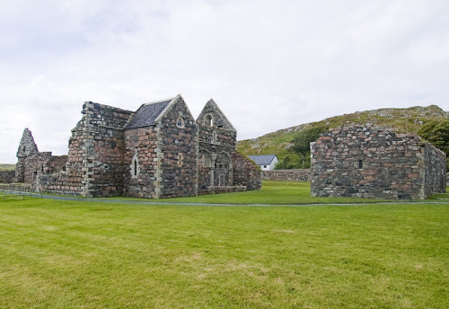 scotianostra:  Iona Augustinian Nunnery and St. Ronan's Church  This Nunnery was built in 1203, one of only two houses of Augustinian nuns in Scotland. It was made derelict during the Reformation,despite its ruinous state, this is one of the best examples of a medieval nunnery left in Britain. Next to the nunnery on the right  is St Ronan's Chapel, a small building was the islanders' parish church from around 1200 to the Reformation in 1560. Excavations have revealed that there was a chapel on the site as early as the 8th century. The chapel is surrounded by a graveyard which contains the graves of several Scottish kings as well as monarchs of Ireland, Norway and France.  By the wall near est the sea is the grave of John Smith, former leader of the British Labour Party. His grave is marked by a stone with an epitaph quoting Alexander Pope: 'An honest man's the noblest work of God'.