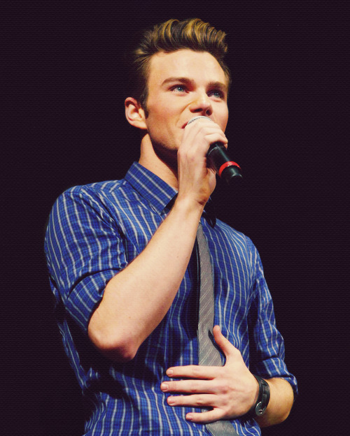 33/50 → chris colfer
