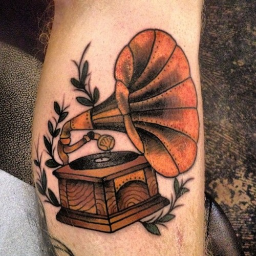 evenmoreblack:  I put it on the internet #tattoo #traditional #gramophone (Taken with Instagram at The Circle Tattoo)