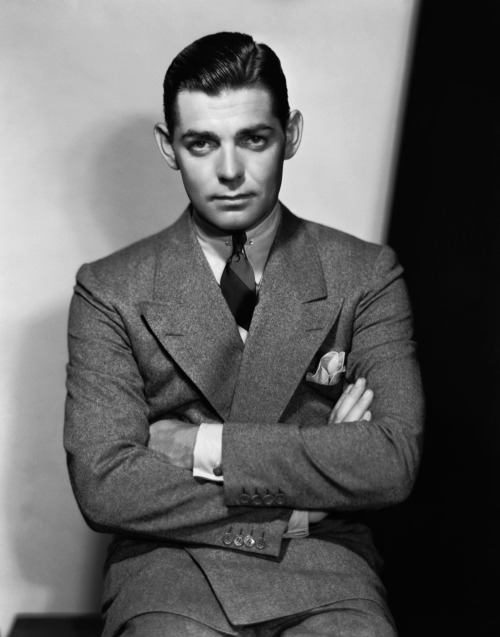 voxsart:  The Double-Breasted Flannel Suit Lesson. Clark Gable.