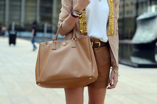 classyfabulousfashion:  want fashion and glamour post in your dash ? follow me ♔