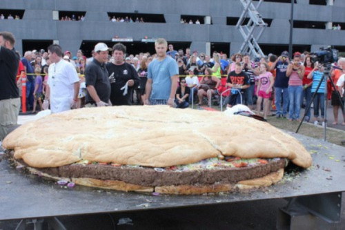 So apparently this is what a one ton cheeseburger looks like.