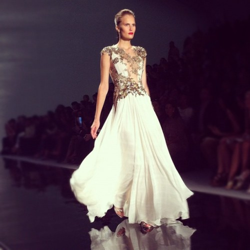 elle:  Plenty of red carpet predictions @Reem_Acra (Taken with Instagram)