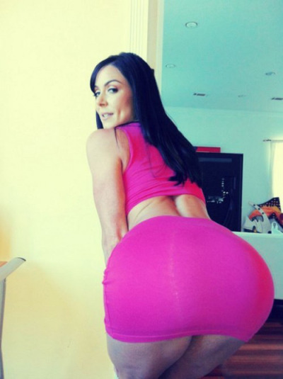 Love that BIG PHAT WHITE ASS!!!!!!