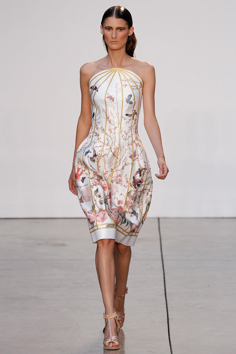 Like a birdcage! (via Thakoon Spring 2013 RTW - Vogue)