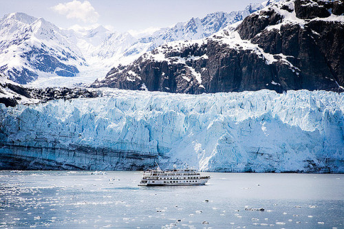 Cruise West ship on Glacier Bay by Clickr Bee on Flickr.