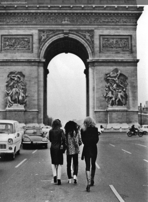 lovecatpri:  The New York Dolls, Arc de Triomphe, Paris, 1973