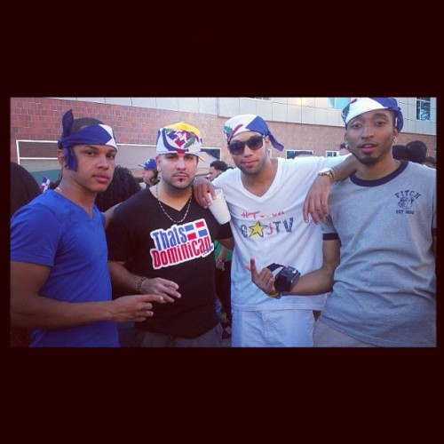 8jtv:  Yesterday at the Dominican Parade in Jersey with @JDConSuFlow & @ThatsDominican #DominicanParade #team8jtv #lifestooshortnottolaugh #teamdominican #JDConSuFlow #ThatsDominican #Jersey #Jerz #Jerzy #Paterson #September #joselitoromantiko #anthonyprince (Taken with Instagram)
