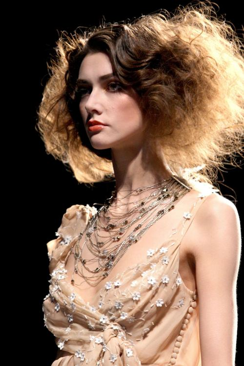seaborder:   John Galliano for Christian Dior Fall Winter 2010 Ready-To-Wear
