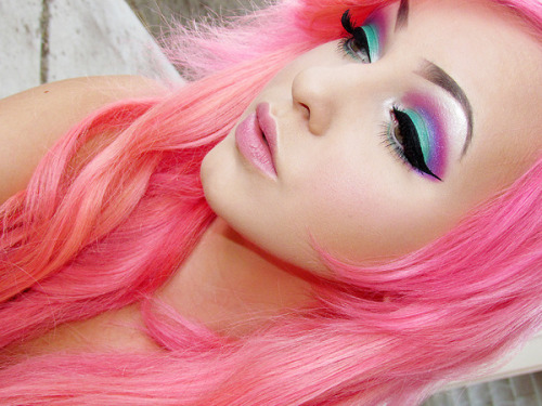 happyhues:  Pink! (via Jessica B. | Beautylish)