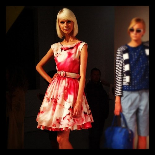 We need this @alice_olivia dress. Agree? #MagnumScene #aosp13 #NYFW  (Taken with Instagram)