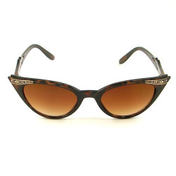 modernbettie:  Tortoise Shell Cateye Sunglasses$10.99 at CatsLikeUs.com I have these exact glasses! Love 'em