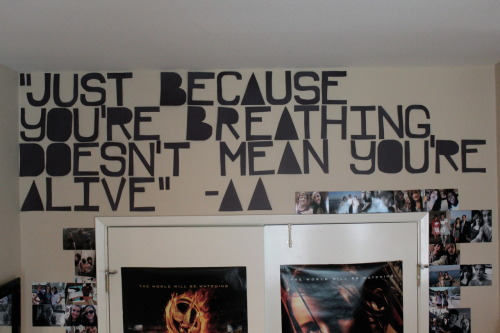 "timeturn3r:  ""just because you're breathing doesn't mean you're alive""  -asking alexandria  i literally JUST posted this a few hours ago & already over 500 notes. i'm2kewlguize~"