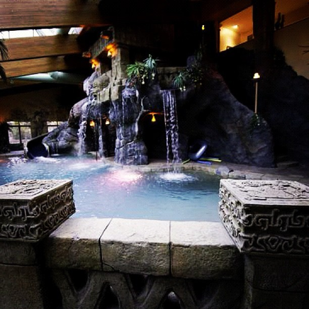 Amazing Mayan themed indoor pool! Featured on HGTV's Million Dollar Rooms. #hgtv #mayan #pool #milliondollarrooms #luxury #mansion #rich #expensive #swag  (Taken with Instagram)