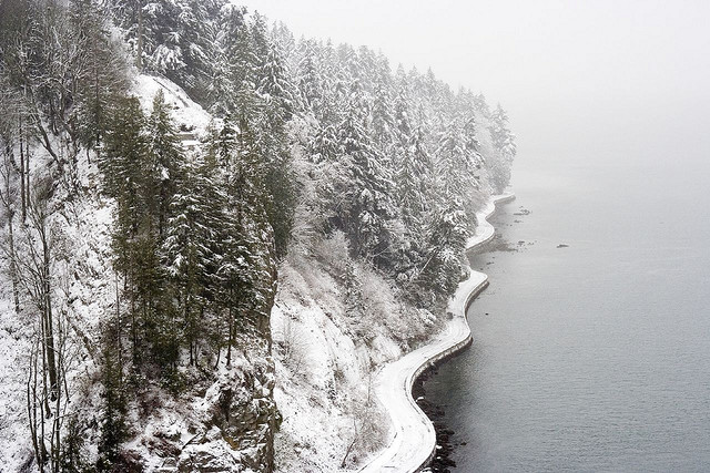redbirdinthesnow:  Seawall in winter storm by HereInVancouver on Flickr.