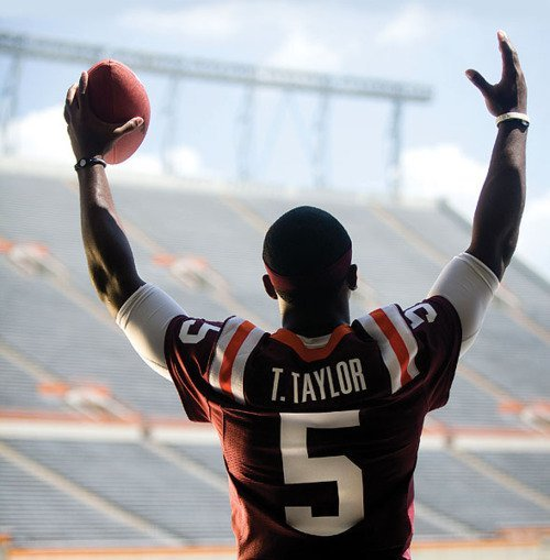 goodgollymissmolly88:  I LOVE HIM  Tyrod Taylor got some playing time last night, albeit in garbage time, but it was still good to see T-mobile out there! He went 2-for-3 for 30 yards in the Ravens' 44-13 beatdown of the Cincinnati Bengals.