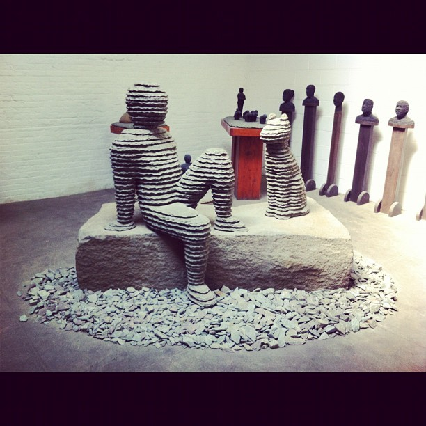 Lounging slate sculpture (Pris avec Instagram)