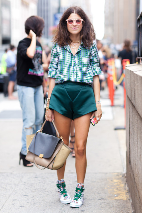LEANDRA MEDINE STREET STYLE | FASHION WEEK EDITIONPHOTO BY MELODIE JENG