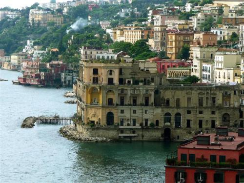 harvestheart:  Napoli on the sea