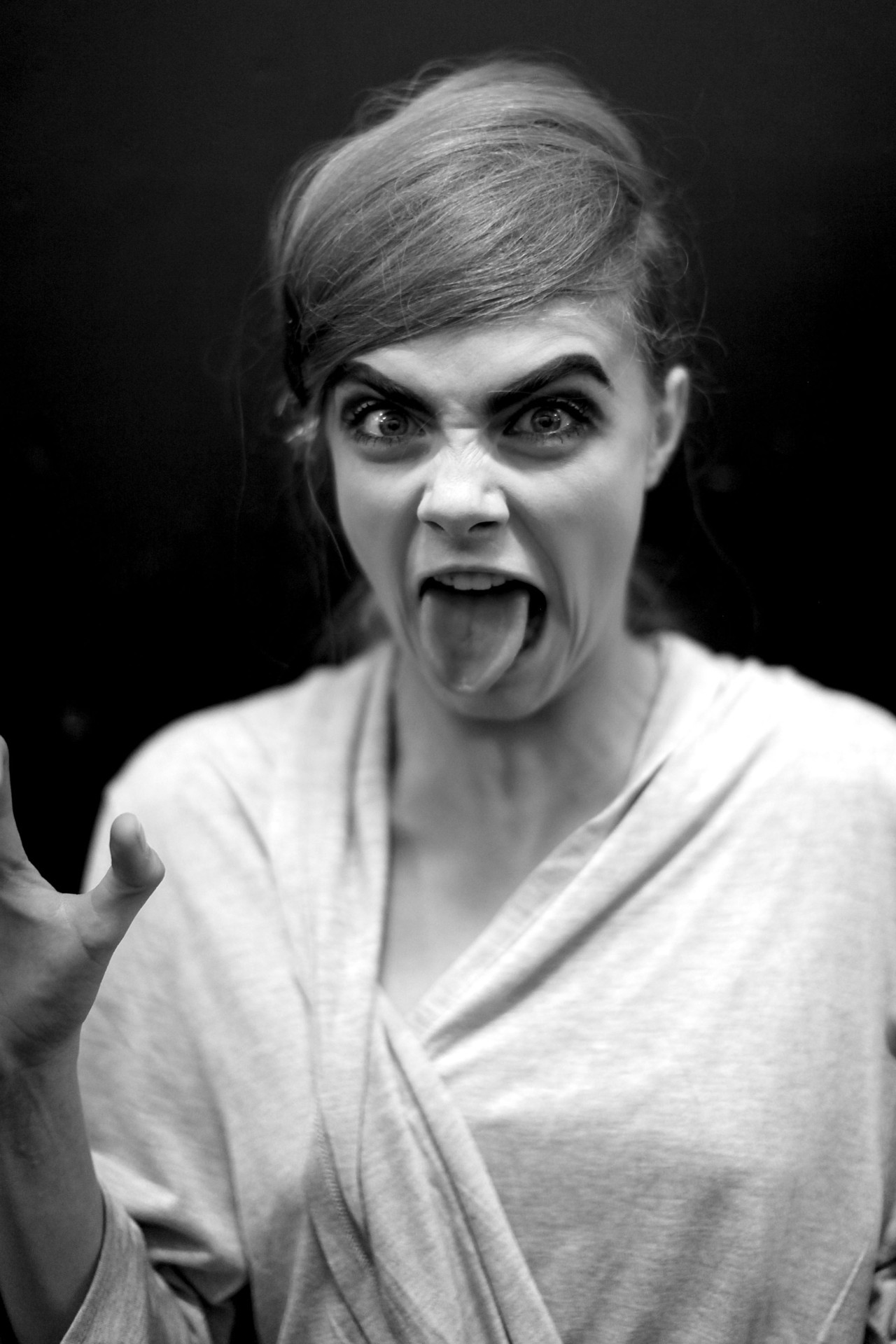 Cara Delevingne backstage at MARC JACOBS making faces for me… SEE THE .GIF @: http://nymag.com/thecut/