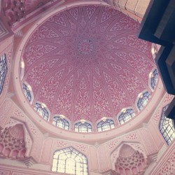 Beautiful in pink. #mosque #dome  (Taken with Instagram at Masjid Putra,Putrajaya)