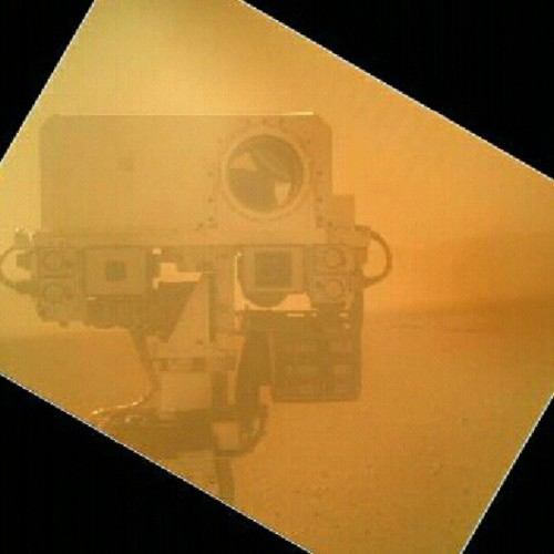 futurist-foresight:  Curiosity: Self-portraits from Mars nasafanclub:  Mars #Curiosity rover takes a picture of it's self #Photography #NASA by destinati0nx http://instagr.am/p/PbYc8dQWNW/