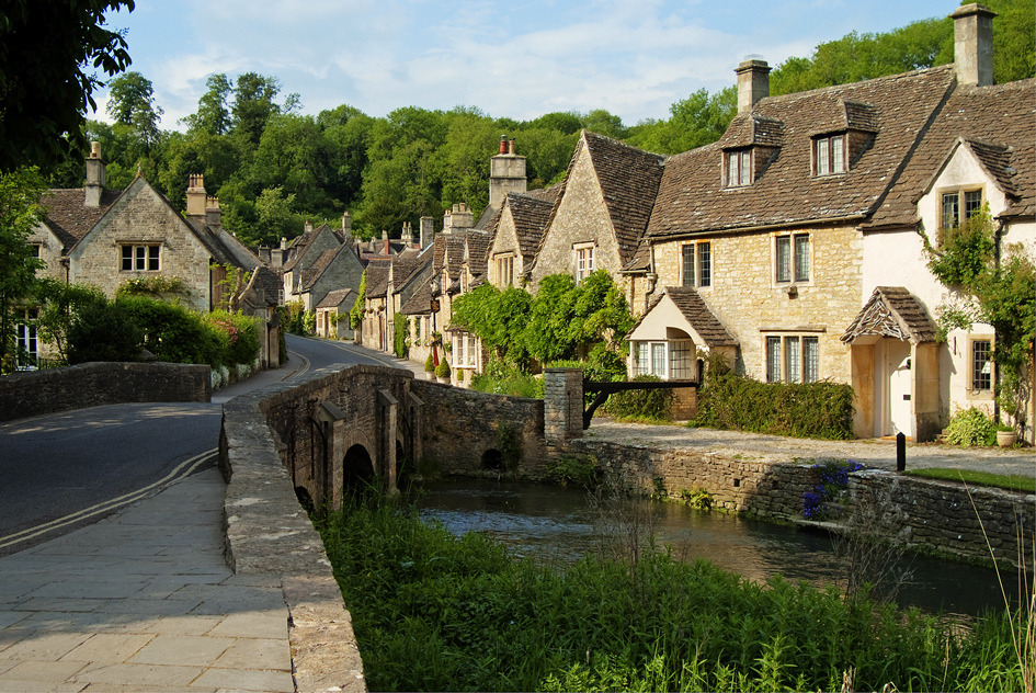 Castle Combe, UK (by clearbluelight)