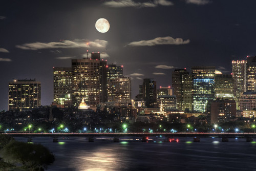 the-absolute-best-photography:  Submitted by 1wantchange:Moon over Boston by Werner Kunz You have to follow this blog, it's really awesome!