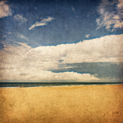 Beach & sky on Flickr.