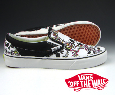 VANS CLASSIC SLIP ON / (SKULL GARDEN) BLACK X FUCHSIA ROSE Note: Seems to be sold out.