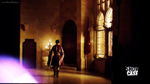 Blake Ritson's waist in World Without End episode 1.  Because what's a Blake Ritson picspam without some waist porn?